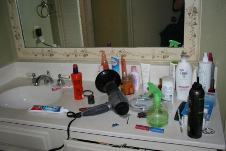 Quick Tips For Organizing Your Bathroom. Does ...