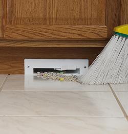The automatic dustpan quickly zips away floor debris.